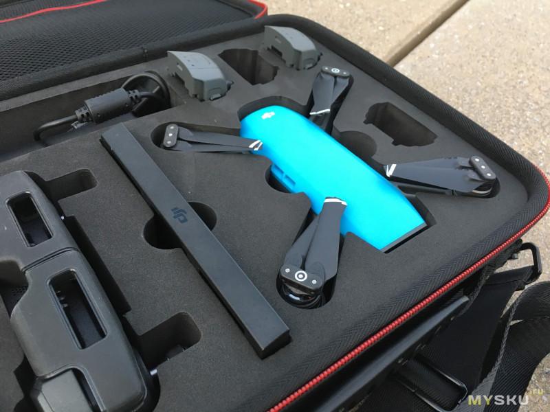 Компактная наплечная сумка для дрона DJI Spark с пультом и другими штуками