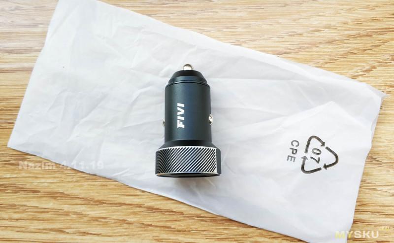 Автомобильное зарядное Fivi FV833 с QC 3.0 2USB и индикатором напряжения бортовой сети
