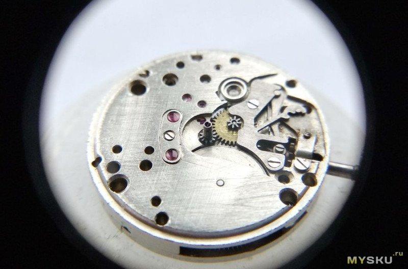 Часовой механизм (калибр) Заря 2009 17 камней.  Похоже, да не одно и то же!