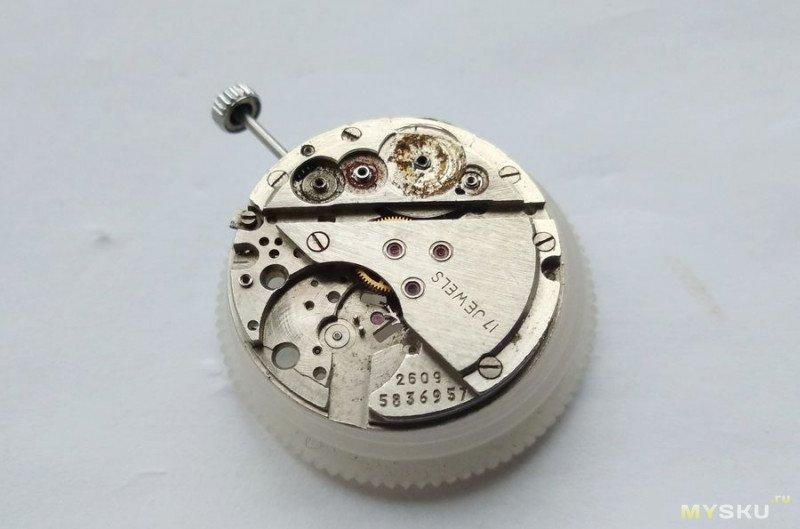 Часовой механизм Полёт 2609 17 камней - внутренний мир и особенности.
