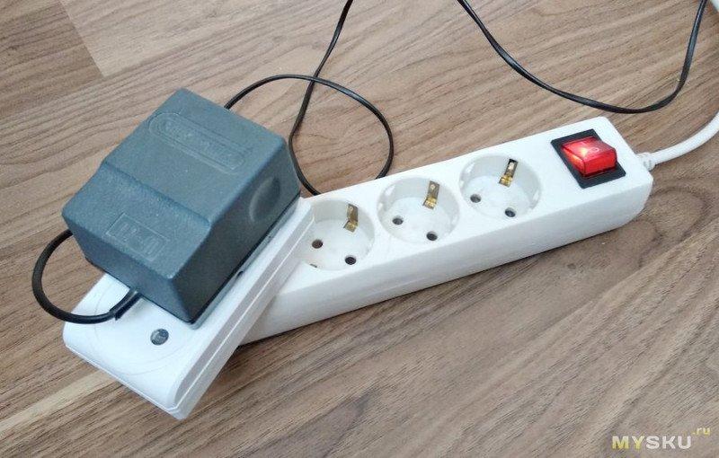 """Лампа. Просто самодельная лампа. Нет, """"лампа из подручных материалов"""". Но с управлением по радиоканалу."""
