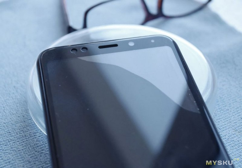 Телефон Redmi 5 Plus. Чистка и переклейка защитного  стекла смартфона, или не спеши менять на новое.