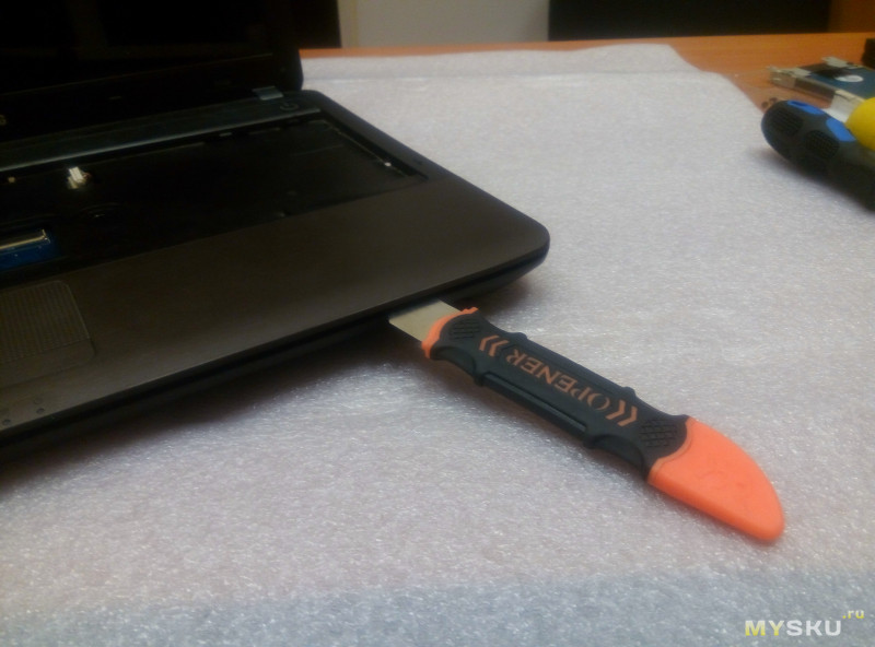 Замена материнской платы на ноутбуке Samsung R540