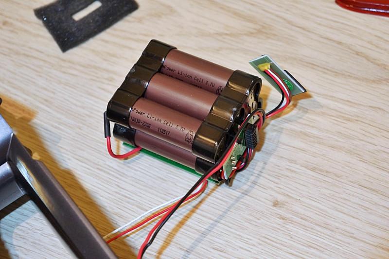 Dibea C17. Аккумуляторный пылесос, который пылесосит.