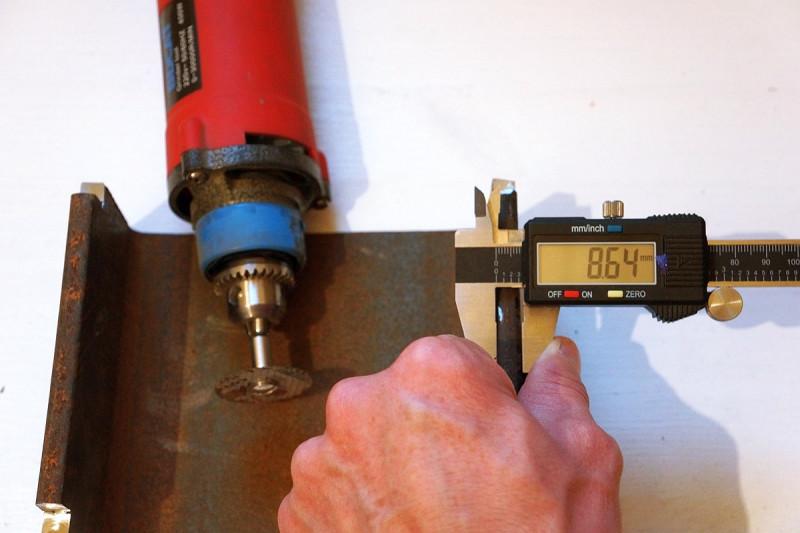 """Универсальные держатели для граверов-""""дремелей"""" мелких и больших. Комплект из 5 штук."""