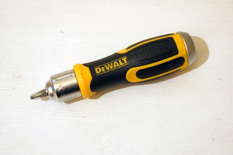 Отвертка со сменными битами DEWALT DWHT69233