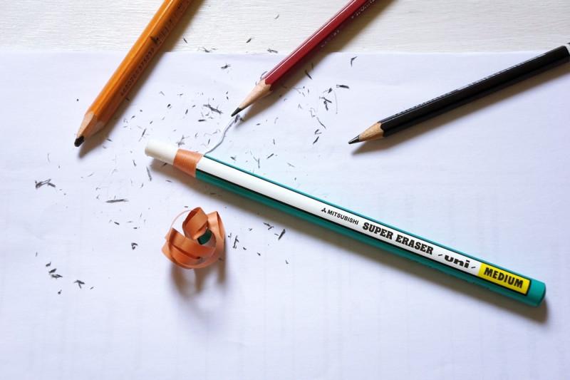 Ластик-карандаш от Mitsubishi