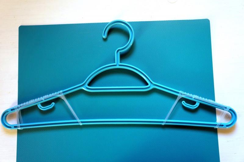 Противоскользящие полоски для вешалок и не только