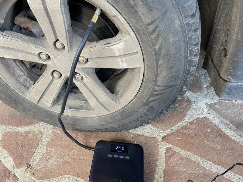 Быстросъемный штуцер для автомобильного насоса