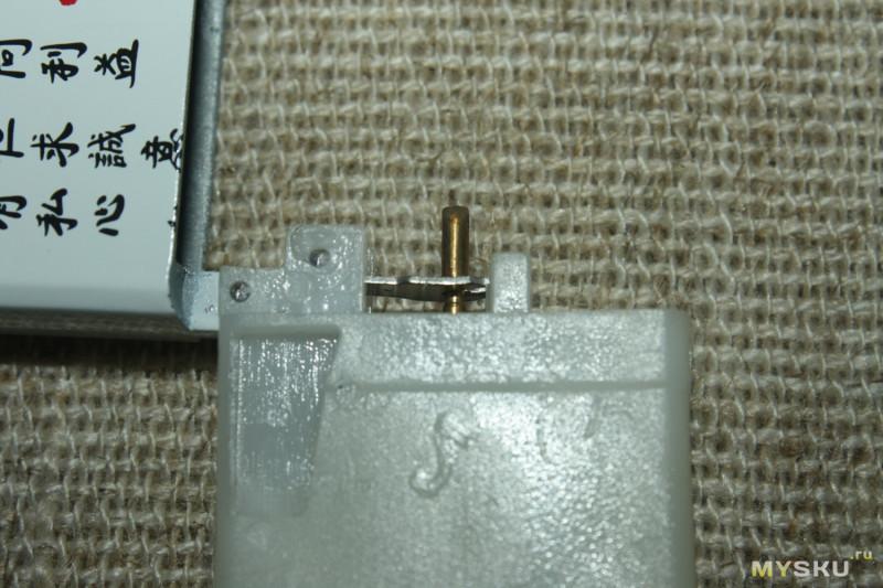Zippo-подобная газовая зажигалка. Удобный компромисс