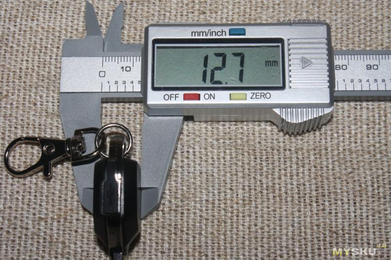 Недорогой фонарик-наключник в форме ключа