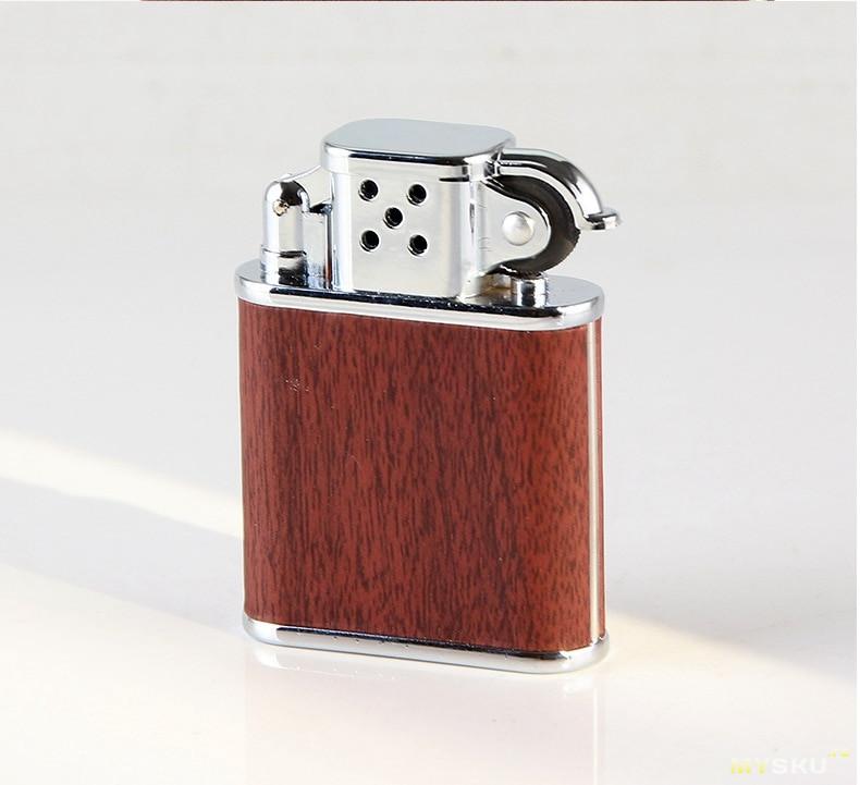 """Газовая зажигалка с дизайном """"а-ля бензиновая"""" и закосом под бронзу"""