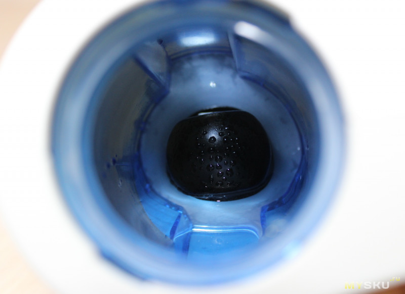Простой и компактный отпариватель-очиститель для одежды AUGIENB