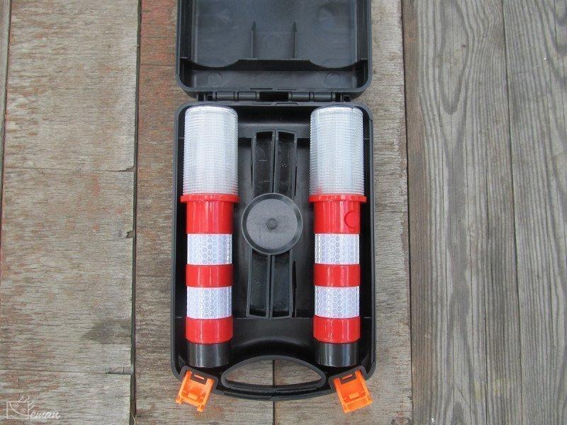 Красный мигающий фонарь для автомобиля
