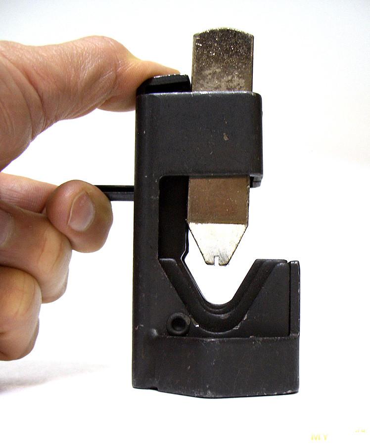 Ударный кримпер для наконечников на толстый провод. Только хэвиметал, только хардкор!