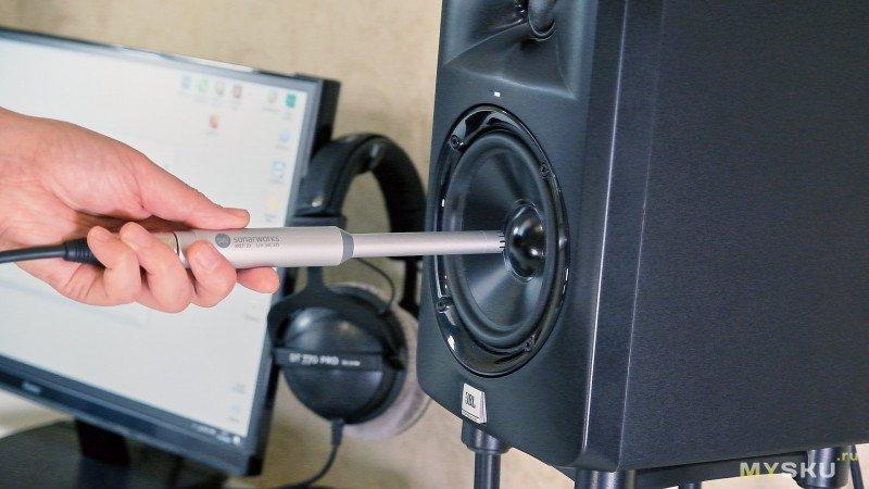 Стойки под студийные мониторы IsoAcoustics ISO-155