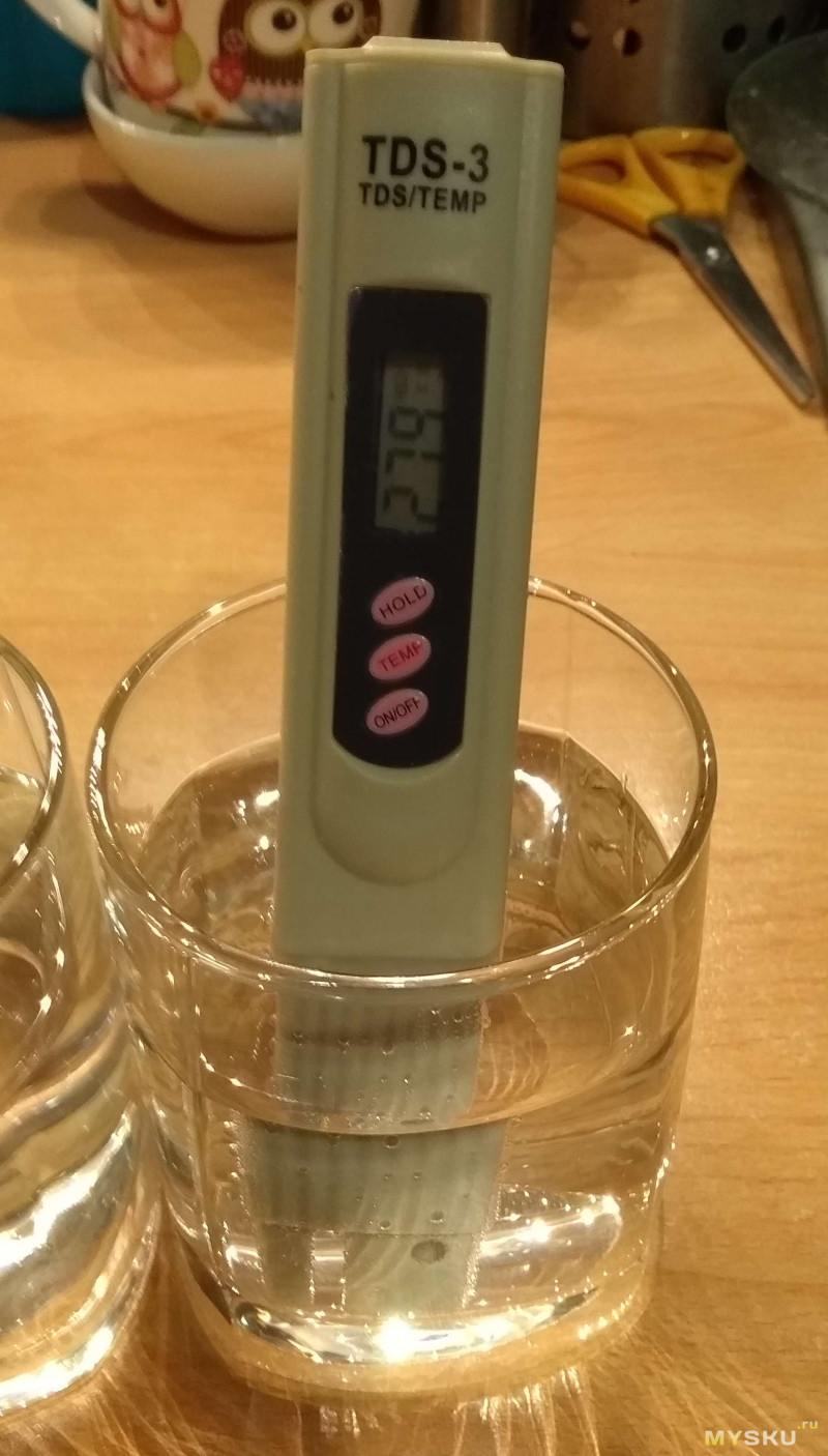 TDS-метр - прибор для примерной оценки минерализации воды путём измерения её проводимости, в одном корпусе с термометром