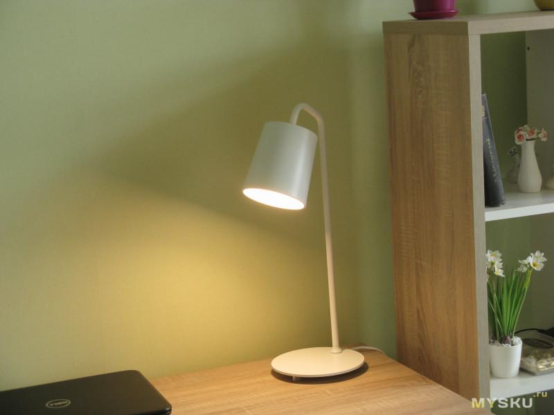 """""""Глупая"""" настольная лампа от Yeelight"""