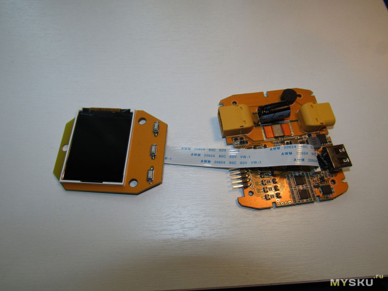 Тестер моделиста с функционалом измерения вольтажа ячеек батареи, ваттметром и usb зарядкой. M8Pro 2-8S.
