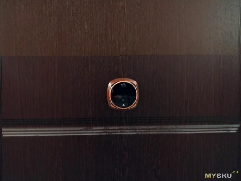 Дверной глазок с датчиком движения и поддержкой ночного видения.