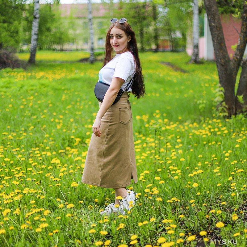 Джинсовая юбка в бежевом цвете