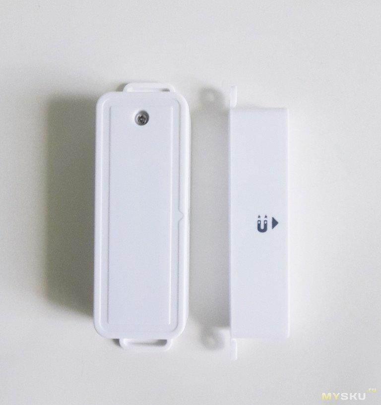 Zigbee - датчик для окна или двери и Zigbee - хаб.