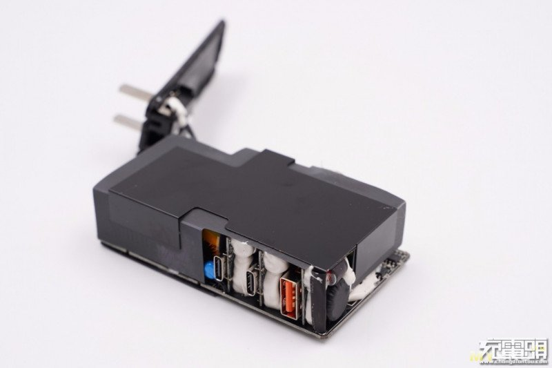 Зарядный блок на 120W от Baseus: проект Galio