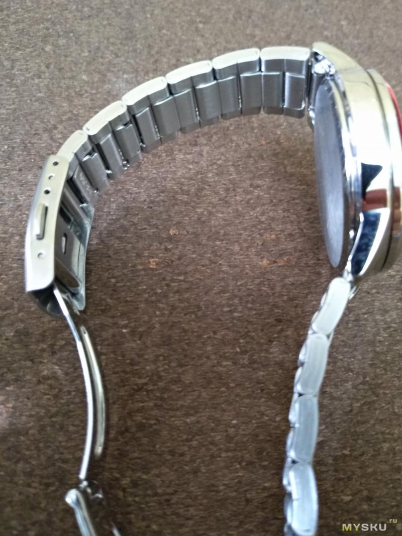 Наручные часы ALBA AEFD562 на солнечном питании от Seiko Watch Corporation