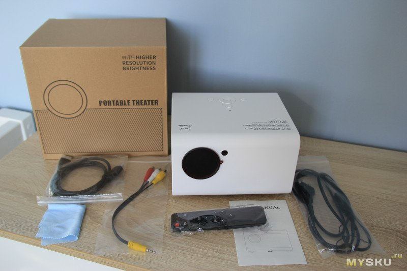 Проектор ТouYinger H5 - cамый недорогой FullHD на 100 дюмов.