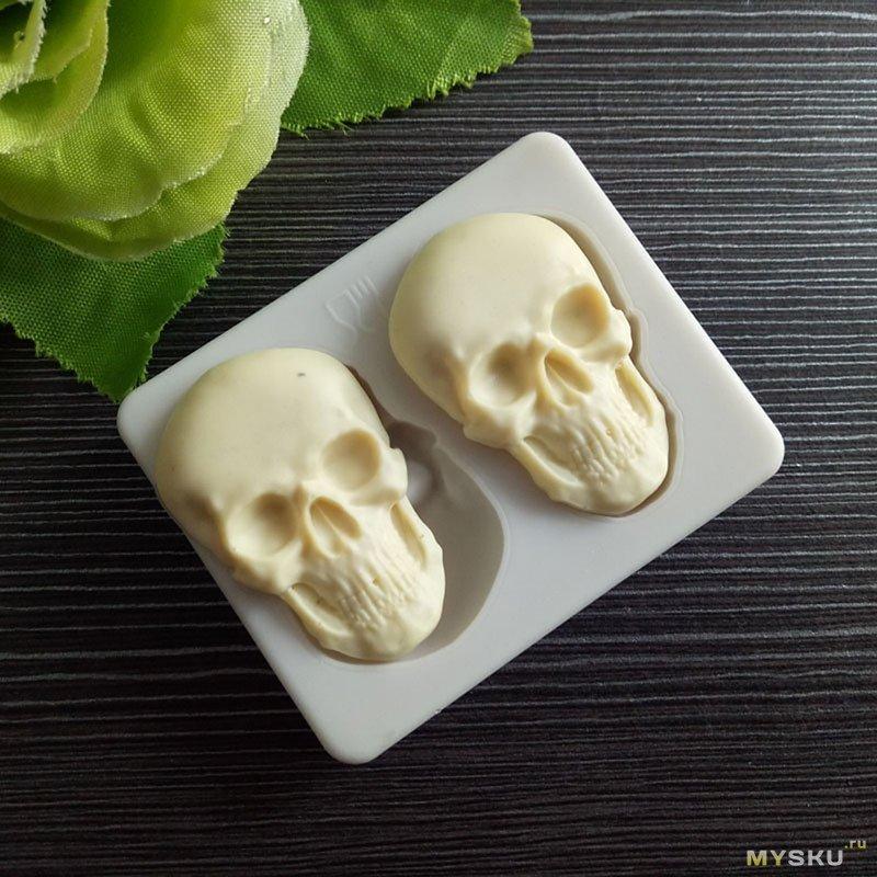 Молды-черепа для конфет (использовались для эпоксидки)