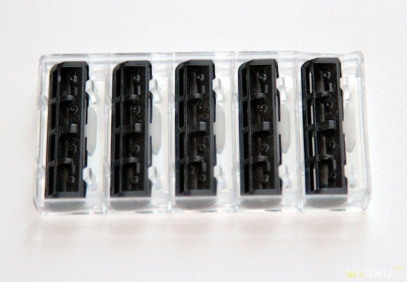 Бритвенный станок с набором из 30 двухлезвийных кассет