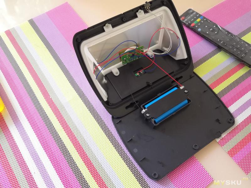 Настенный светильник, заряжаемый солнечной энергией и датчиком движения для энергосбережения