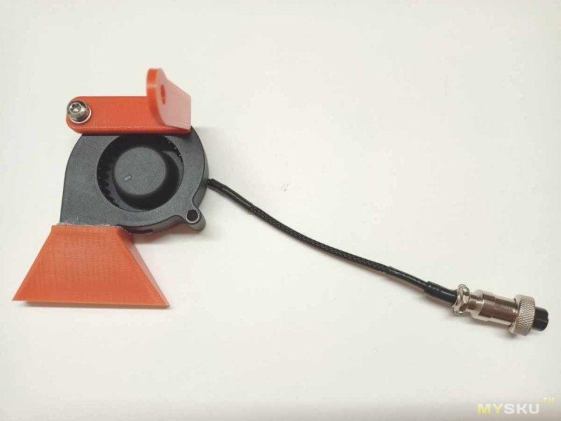 Приставка к оптическому микроскопу: автономные подсветка и обдув